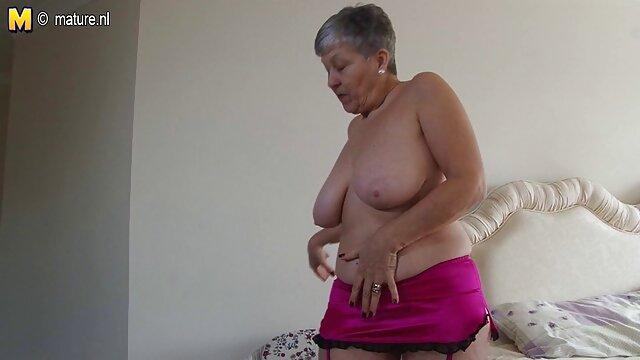 El coño mojado las mejores tijeras lesbicas peludo expuesto de la esposa tímida