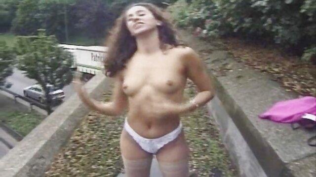 Selena videos xxx de mujeres lesbianas