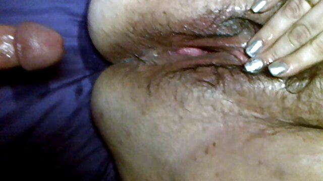 Los video lesbianas jugos de coño fluyen del húmedo agujero de carne asiática de Marica