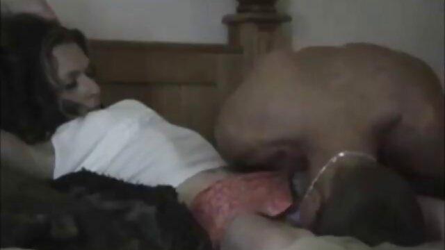 Bettina DiCapri - Aprendiendo a montar xxx lesbianas orgasmos en bastón - MOFOS