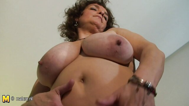 Rubia sexy xxx lesbianas violadas tatuada Daisy recibe una buena polla en pov