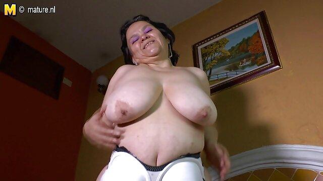 Ejecutivo obtiene lesbianas seduce gran polla soplada por empleado