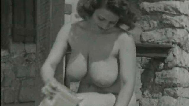 Latinagranny tetona gordita madura totalmente desnuda videos caseros xxx lesbianas