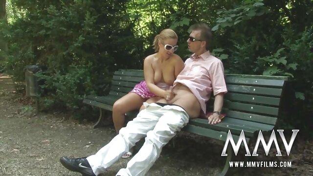 Abuelo se folla videos nuevos de lesbianas a una adolescente