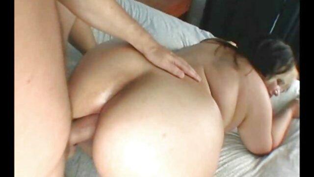 Aventura japonesas lesbianas sexual POV con Jay Taylor