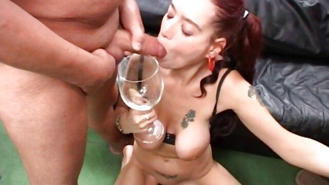 RELOAD COMBINED - Hotwife rubia usada lesbianas gozando