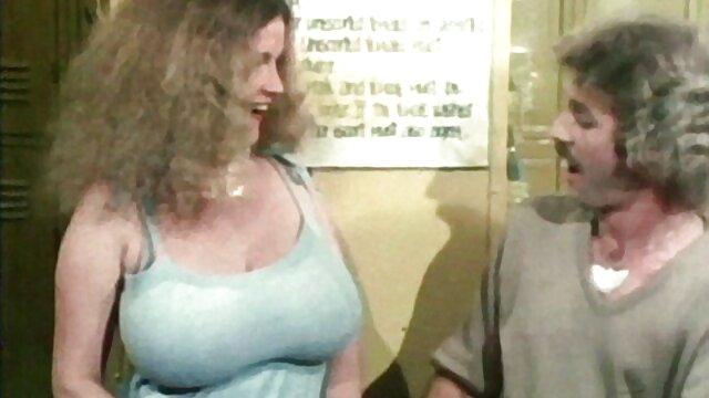 TRABAJO CON xxx tijeras lesbianas EL PIE DE KASUMI