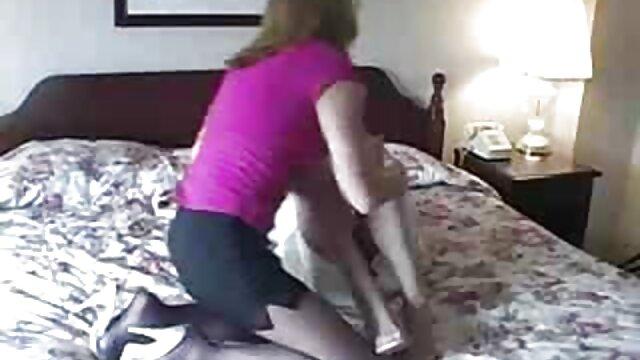 TRUE ANAL videos de sexo lesvico Estirando el culo de la pequeña Anya Olsens de nuevo