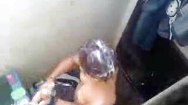 Lascivo stepis videos caseros lesbianas se convierte en máquina de comer esperma después de vaquera