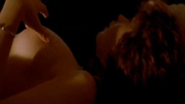 Es muy travieso de chicas lesbianas besandose su parte masturbarse con su tutor JOI