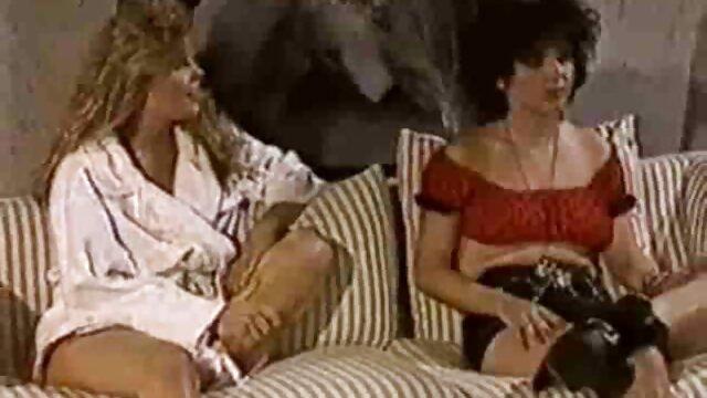 Dummfotze Angela mit videos caseros lesbianas dem Doppelschwaenzigen Dildo gefickt