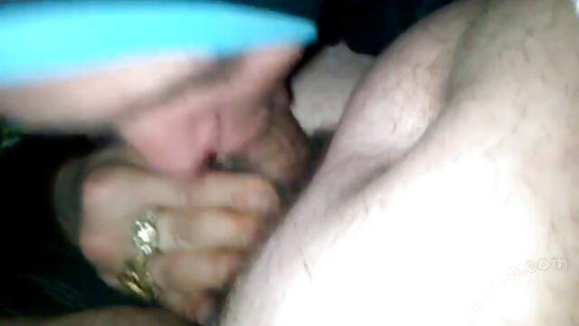 Madura de tetas tijerasxxx atadas en una escena BDSM. Parte 1