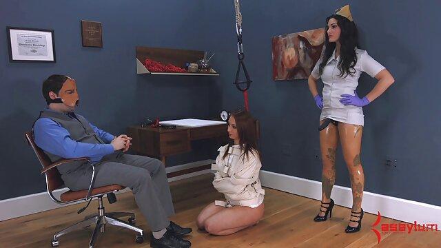 Madrastra seduce a su hijo para que se la folle cuando dos lesbianas haciendo el amor papá está de trabajo