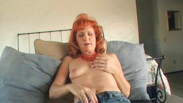 Estos pantalones de yoga con estampado de cebra se ven tan calientes en hd lesbianas mí JOI