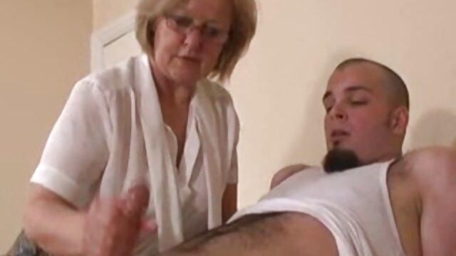 Arrogante Schnalle tritt Ex-Lover im Treppenhaus en die Eier ver lesbianas haciendo el amor