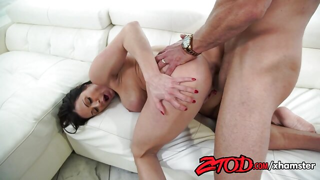 Nena rubia se masturba el coño en pantimedias de nailon desnudas lesbianas tetas naturales