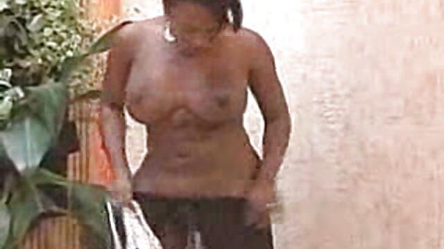 Jovencita Elektra Rose golpeada sin descanso con una videos lesvianas jovenes gran polla negra