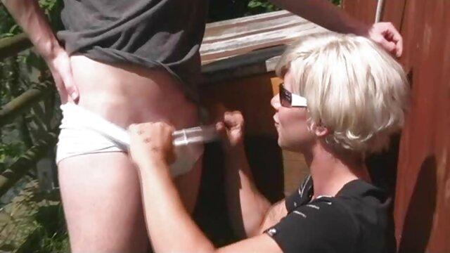 Acción en el sexo lesbianas jovenes vestuario